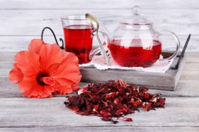 ceaiul hibiscus ajută să piardă în greutate