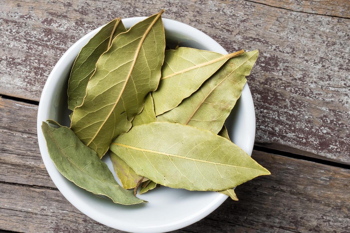 bay frunze ajută la pierderea în greutate