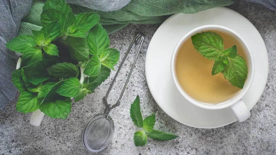 ceai menta cu lamaie